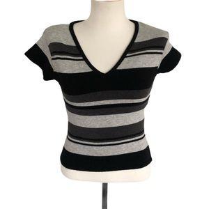 Windsor V-Neck Sweater Size Small